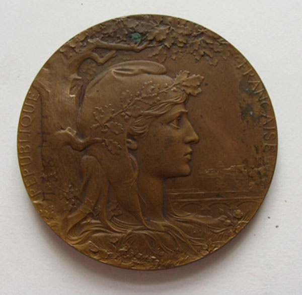 Medal of the Paris world art industrial and agricultural exhibition